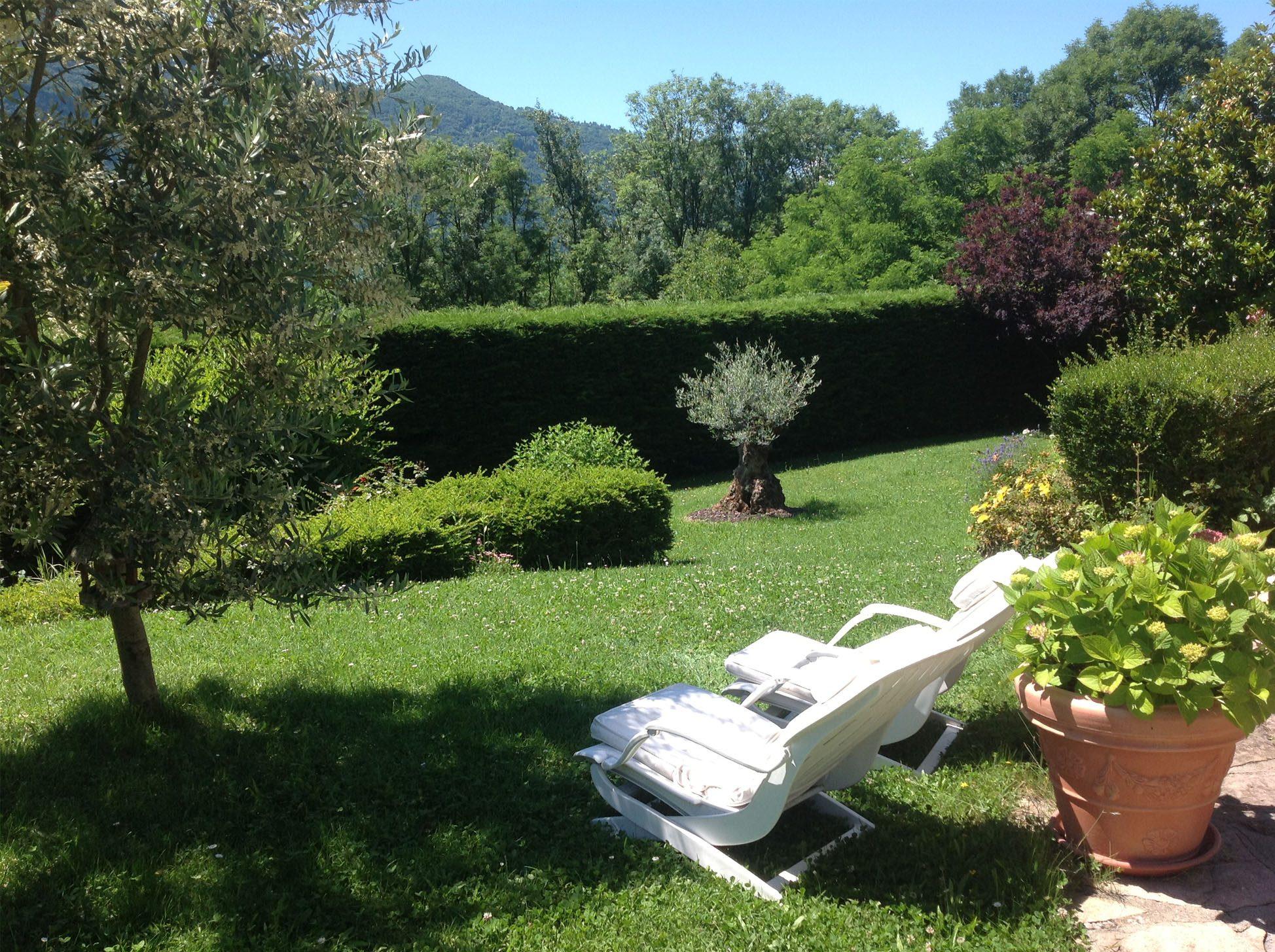 La maison : extérieur - le jardin